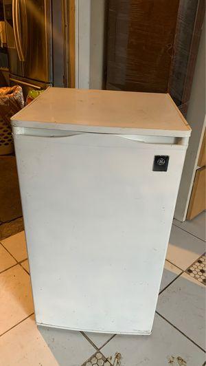 Mini fridge for Sale in Stockton, CA