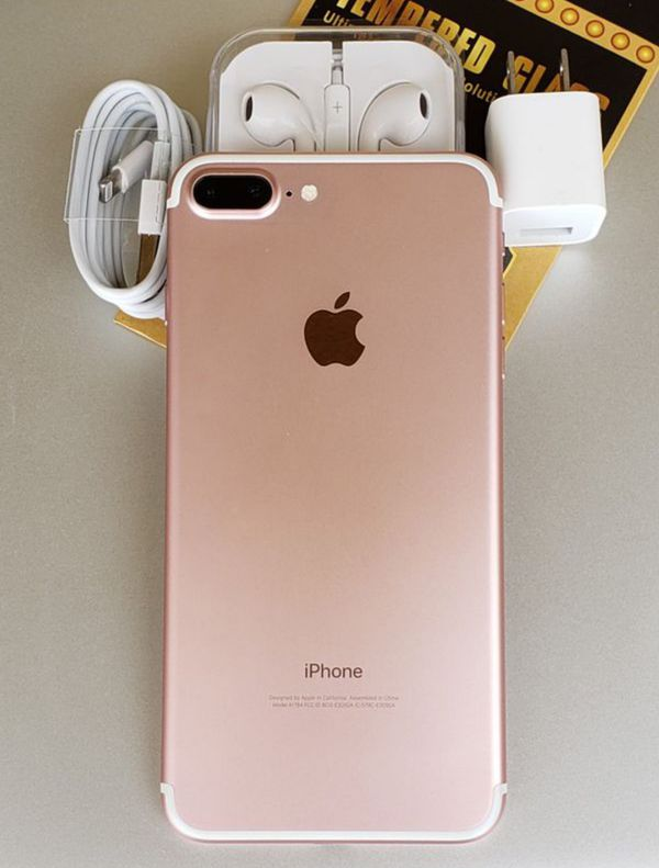 iPhone 7 plus 128GB FACTORY UNLOCKED, like New with Warranty
