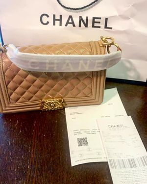 Chanel Boy Quilted Shoulder Bag for Sale in Los Angeles, CA