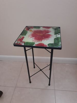 Side Table for Sale in Oakland Park, FL