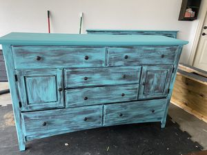 Dresser rustic real wood king/ cal king size for Sale in Abilene, TX
