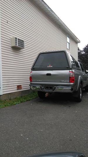 Toyota tundra v8 4wd 2005 for Sale in Bridgeport, CT