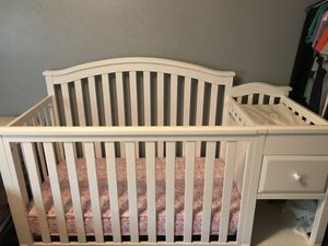 Crib and changing table for Sale in Sicklerville, NJ