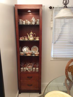 Small china cabinet for Sale in Thomasville, NC