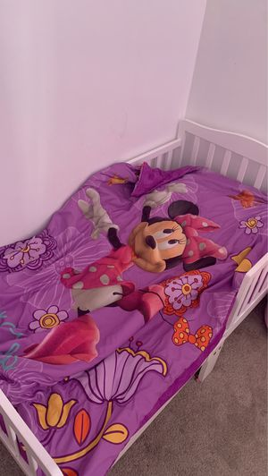Toddler bed with mattress and sheets for Sale in Central Falls, RI
