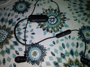 Skull candy Bluetooth headphones for Sale in Brentwood, PA