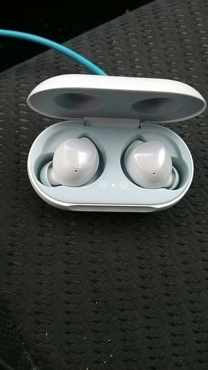 Samsung smr170 earbuds for Sale in Seattle, WA