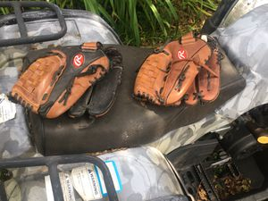 Left handed baseball gloves for Sale in West Bloomfield Township, MI