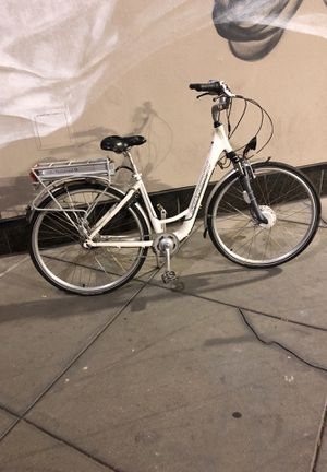 Electric bicycle schwinn for Sale in Oakland, CA