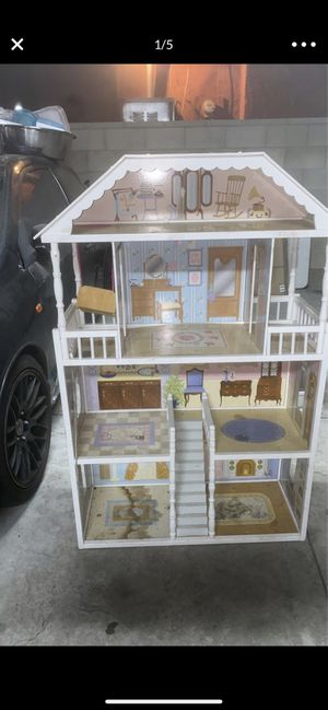 Doll house for Sale in Huntington Park, CA