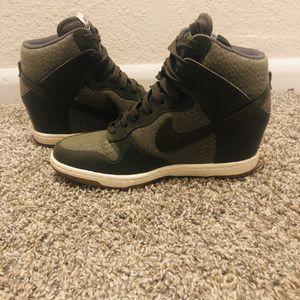 Nike Dunk Ski Hi Essential Shoes Green/Khaki women size 8 for Sale in Kalamazoo, MI