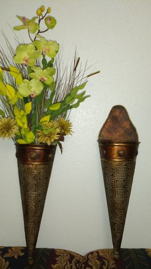 Home decor wall flower vase for Sale in Cypress, TX