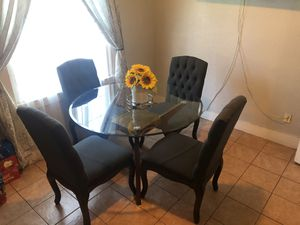 Dining table end 4 Chairs gray for Sale in Long Beach, CA