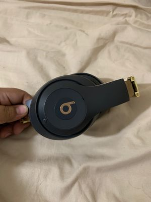 Beats studio3 wireless for Sale in San Diego, CA