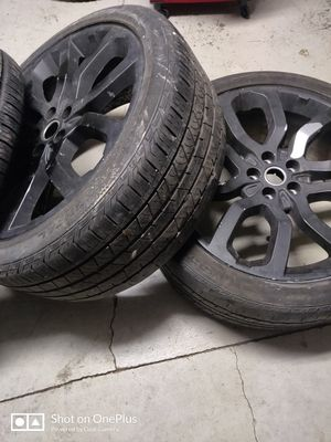 22 inch wheels 5 lug needs some cleaning up and two of the rims dip coating is peeling off other than that they are in great shape for Sale in Monroe, NC