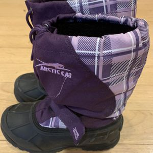Girls Snow Boots Size 3 for Sale in Lafayette Hill, PA