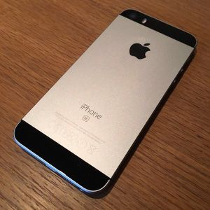 iPhone SE 64gb for Cricket or AT&T Device is the new updated 6s but is in 5 body iPhone SE 64gb for Sale in Denver, CO