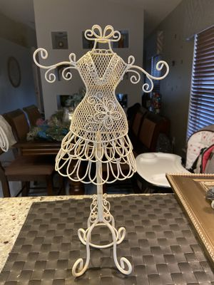 Jewelry holder for Sale in Kissimmee, FL
