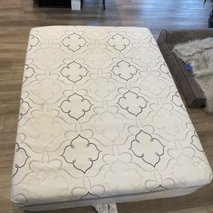 Queen sized sleep innovations memory foam mattress box springs and frame for Sale in Denver, CO