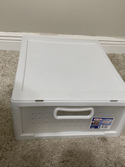 Small Plastic Drawerv for Sale in Pembroke Pines,  FL