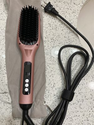 Hair straightener brush for Sale in Queens, NY
