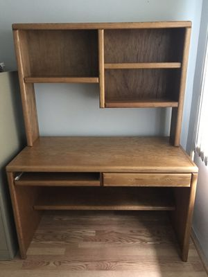 Wood (Oak) computer desk With drawer, hutch and printer stand for Sale in Tampa, FL