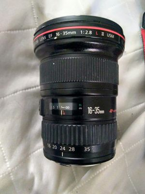 2.8 16-35mm lens canon for Sale in Pierre, SD