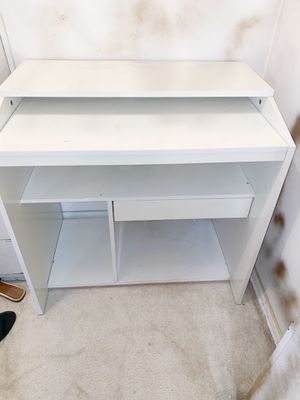 AMZNG PRICE WHITE VANITY DESK/TABLE COMPUTER CONSOLE for Sale in Los Angeles, CA