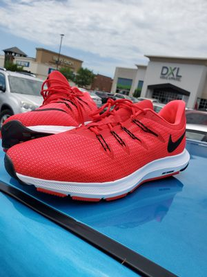 Nike runners for Sale in Berkeley, MO