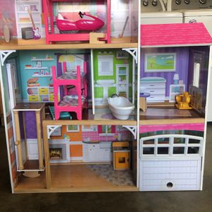Play House/Doll House for Sale in Carson, CA