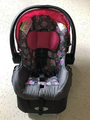Girl Evenflo Car Seat for Sale in Granger, WA