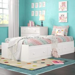 White Twin Bed with 3 Drawers for Sale in South Brunswick Township,  NJ