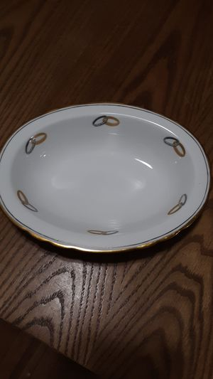 Serving bowl Tuscan fine English bone china Wedlock design, excellent condition. for Sale in Lakeside, AZ