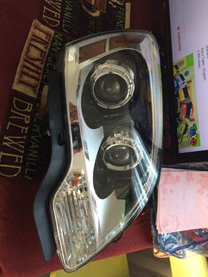 2012 GMC Acadia front right light for Sale in Oxnard, CA