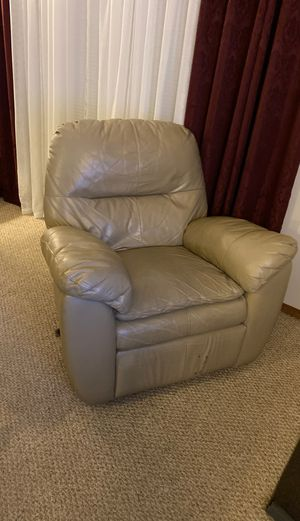 Leather recliner FREE! for Sale in Worcester, MA