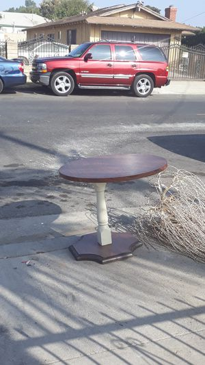 Table good conditions for Sale in Compton, CA