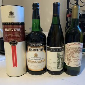 Wine Liquor Collectible Bottles 1987 for Sale in Teaneck, NJ