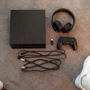 Playstation 4 ( PS4 ) for Sale in Avocado Heights, CA