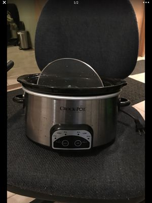 Large crock pot programmable up to 10 hours for Sale in Seattle, WA