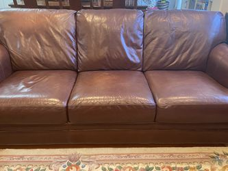 Beautiful Sofa and Love Seat Set for Sale in Stanford,  CA