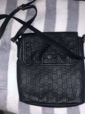 Authentic black GUCCI purse w/ shoulder strap for Sale in Portland, OR