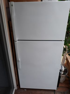 REFRIGERATOR AND FREEZER in GOOD WORKING ORDER FOR SALE for Sale in Bellevue, WA