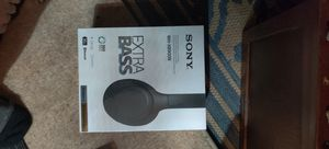 Sony wh-xb900n Xtra bass headphones for Sale in San Francisco, CA