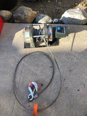 Power winch. 2500 pounds capacity for Sale in Los Angeles, CA