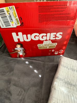 HUGGIES DIAPERS (SIZE 2) for Sale in North Las Vegas, NV