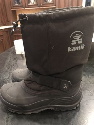 Kamik size 6 kids snow boots for Sale in Vernon Hills, IL