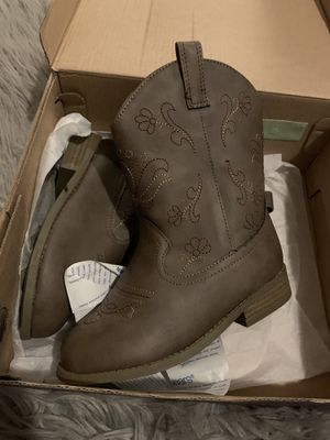 New! Little Girl size 11 Cowgirl Brown Boots with cute design for Sale in San Fernando, CA