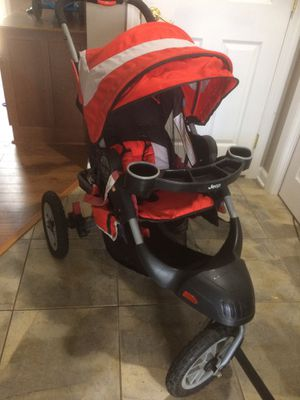 Jeep Liberty 3 wheel stroller for Sale in Toms River, NJ