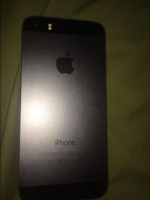 Nearly new iPhone 5. No dents or cracks. Selling $150 price negotiable for Sale in Las Vegas, NV