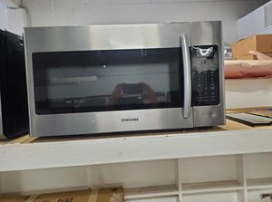 Samsung Microwave 1.8 cu Over the Range for Sale in Garden Grove, CA